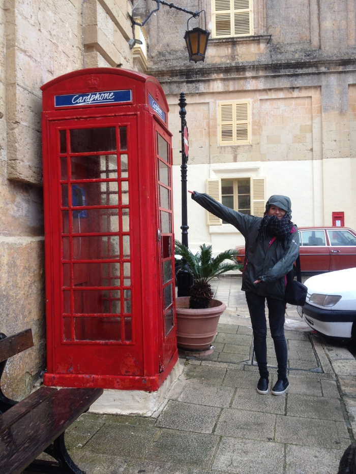 Ta Da! A British phone box